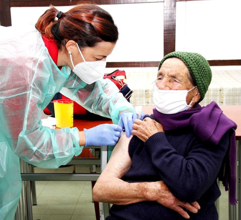 Thumbnail Condeixa Administra Vacina Da Gripe Em Casa 2