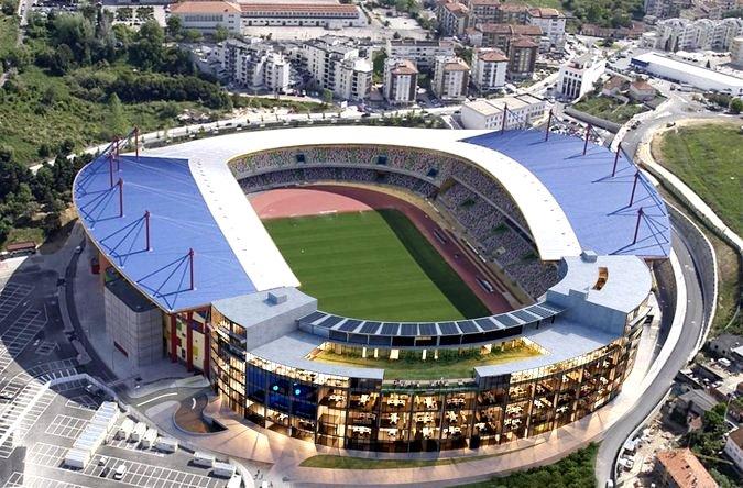Topo Norte Do Estadio 1 675 2500