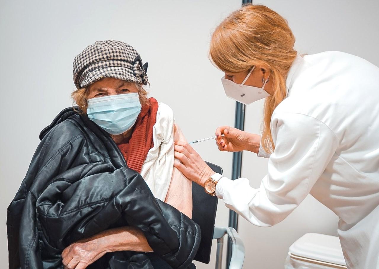 Centro De Vacinação Covid-19 Em Pombal Instalado No Centro Das Atividades Económicas